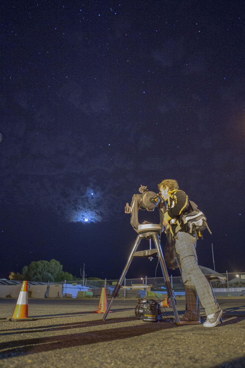 Night sky viewing with Dr Karl and the Scitech crew.